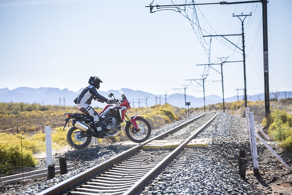 http://www.zabikers.co.za/wp-content/uploads/2015/11/Honda-CRF1000L-AfricaTwin-YM16-D185.jpg