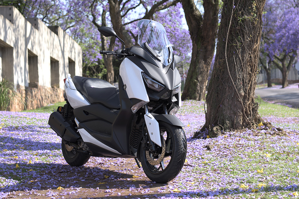 Yamaha X-Max 300 - First Ride Impressions! - ZA Bikers