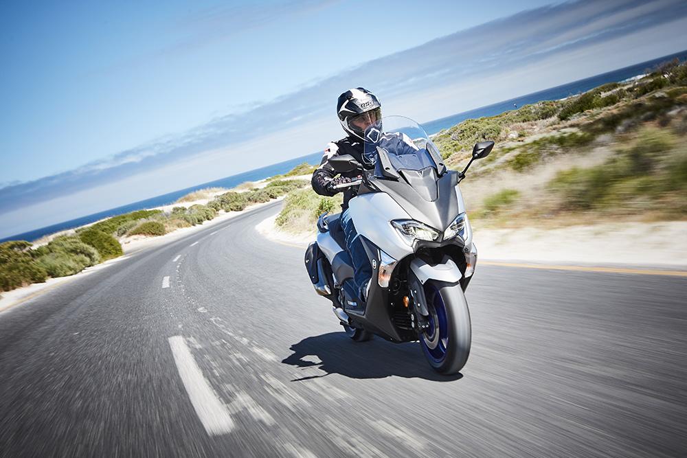 Yamaha X-Max 300 - First Ride Impressions! - ZA Bikers