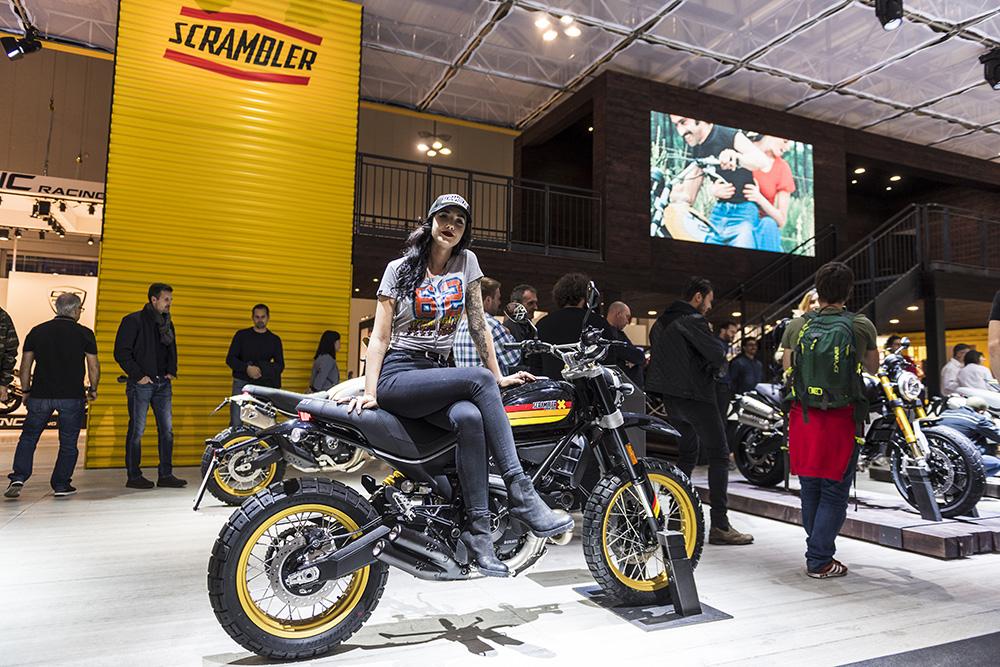 the 2017 eicma show milan italy za bikers. Black Bedroom Furniture Sets. Home Design Ideas