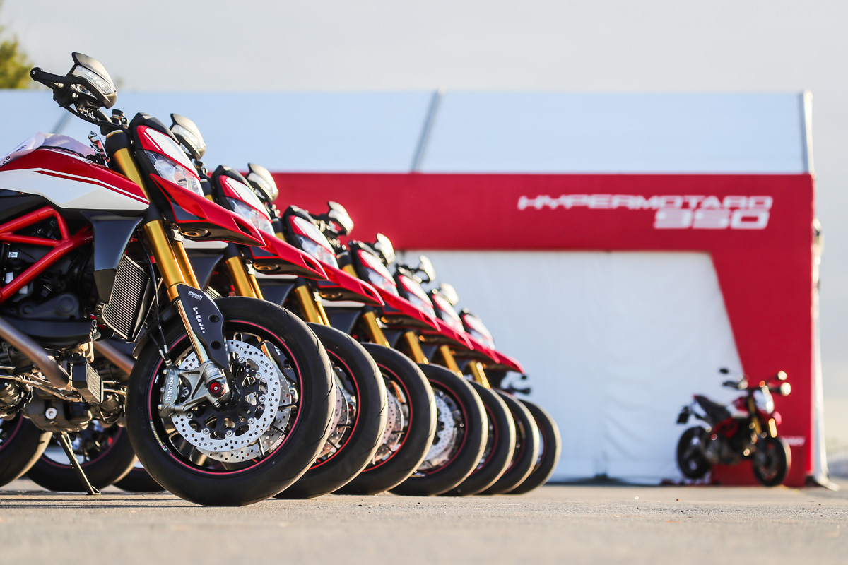 Riding The 2019 Ducati Hypermotard 950 Sp Za Bikers