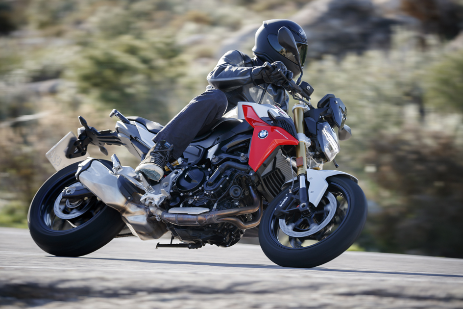 Insane Spain On Bmw S New F 900 R F 900 Xr And S 1000 Xr Za Bikers